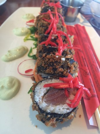 Latitudes Restaurant: Tuna Tempura Roll