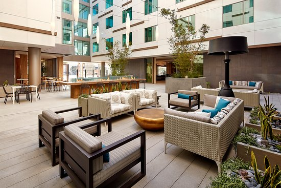 Courtyard Picture Of Hilton Garden Inn San Diego Downtown Bayside San Diego Tripadvisor