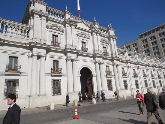 Santiago, Chile: Visita obrigatória ao La Moneda.
