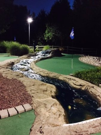 Phoenixville, Pennsylvanie : Landscaping at Markie's Mini Golf