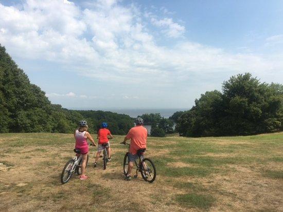 Huntington, NY: Summer biking in Caumsett Park