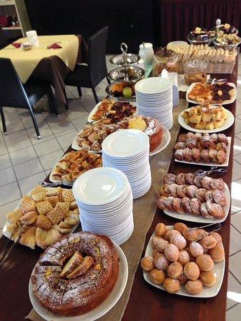Principina a Mare, İtalya: buffet della colazione
