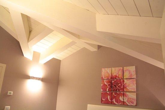 Soffitti In Legno Bianchi : Piacenza ufficio open space ultimo piano soffitti in legno a