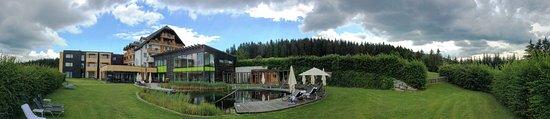Zwettl Stadt, ออสเตรีย: Hotel Panorama mit Bioteich
