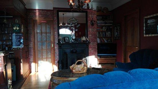 Veeceeze Bed And Breakfast: IMG_20160816_082213_large.jpg