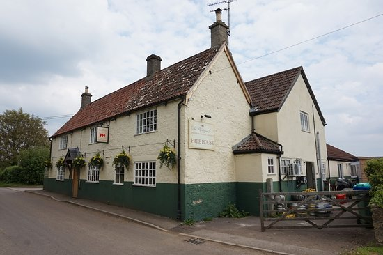 Wincanton, UK : Montague Inn, Shepton Montague