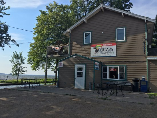 Isle, MN: Simple is good at Toucan's