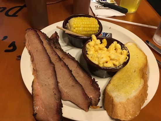 Port Orange, Floride : Corn was mushy. Brisket very thin. Mac and cheese was good.
