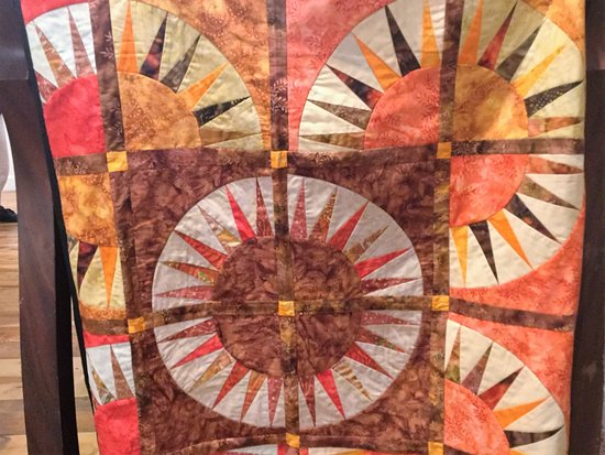 Golden, CO: Quilt on display