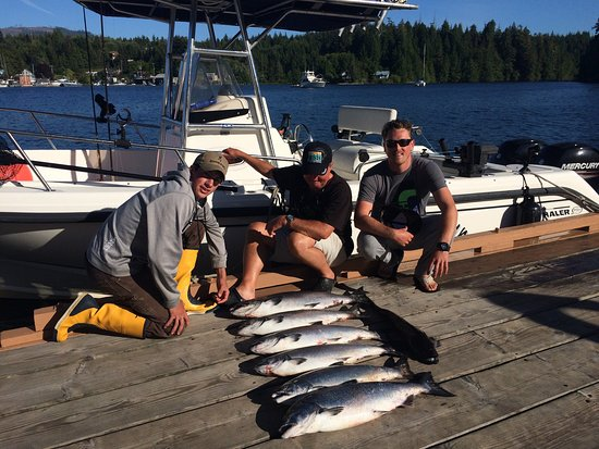 Bamfield, Canada: Great fish,food,and fantastic views.