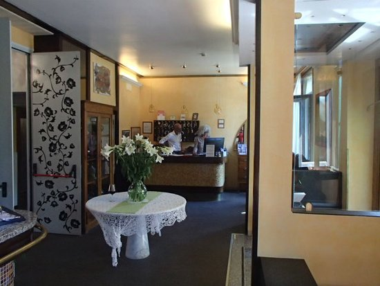 Atlanta Augustus: lobby