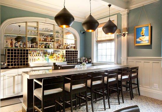 The Vanderbilt Grace: Bar