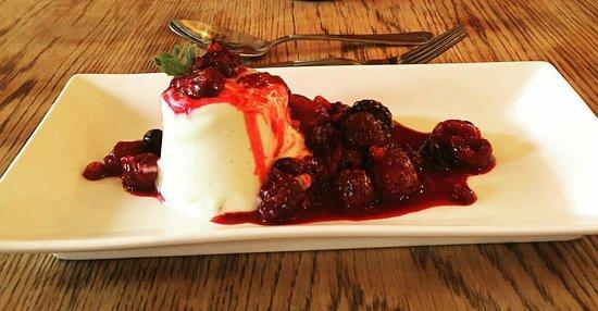 Faversham, UK: Homemade Dessert