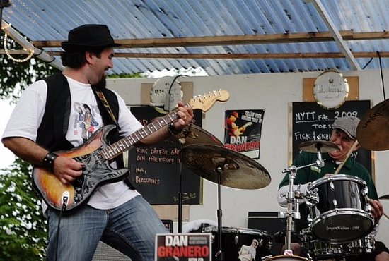 Motala, Swedia: Myself on guitar and my best friend Petey on drums performing at Berggrens having so much fun !