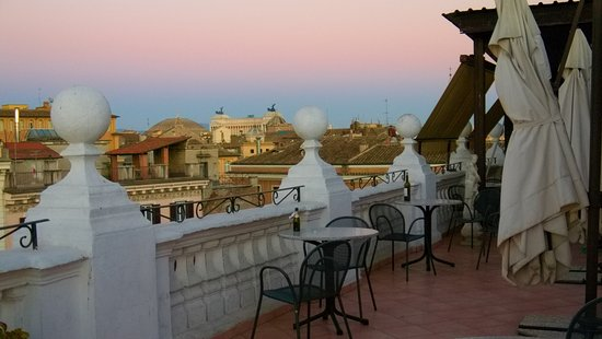 Genio Hotel: Rooftop Terrace