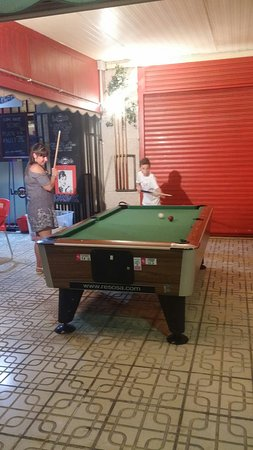 Legends Bar La Pineda : 20160808_215835_large.jpg