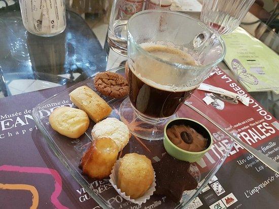 Beaulieu-sur-Dordogne, Francia: Café douceur