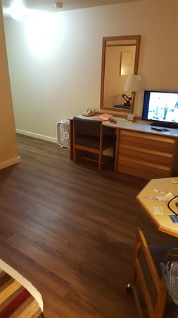 Astoria Crest Motel: Hardwood composite floors