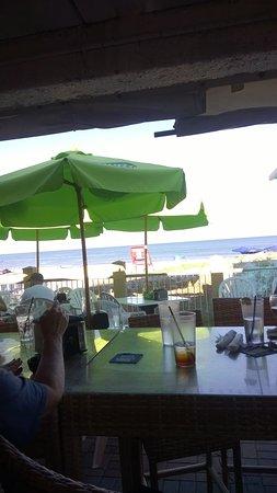 Foto de Sandy Bottoms Beach Bar & Grill
