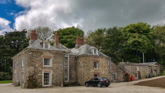 Tredudwell Manor Photo