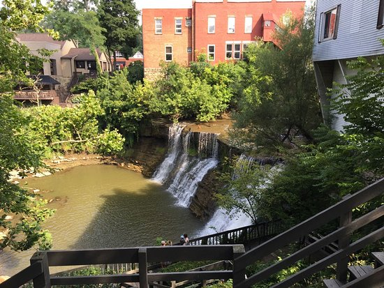 Chagrin Falls, OH: Falls when there hasn't been much rain