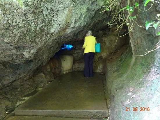 Mother Shipton's Cave and The Petrifying Well: the wishing well.