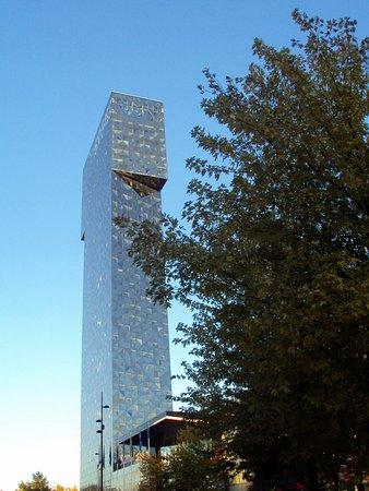 Kista, İsveç: Construção imponente e moderna