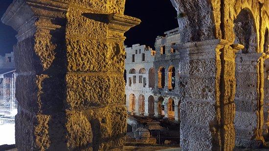Αμφιθέατρο της Πούλα: View