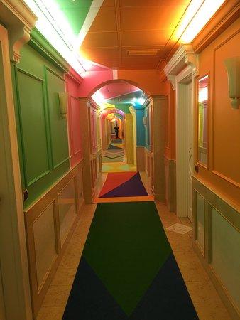 Corrubbio di Negarine, Itália: Korridor till rummen