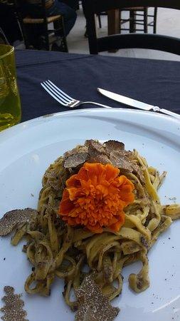 Rosora, Italia: tagliatelle porcini e tartufo