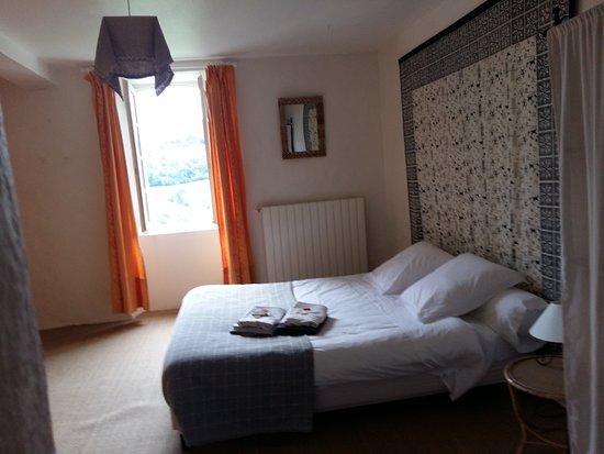 Issor, Francia: chambre parents de la suite
