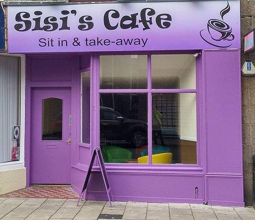 Peterhead, UK: Sisi's cafe- exterior!