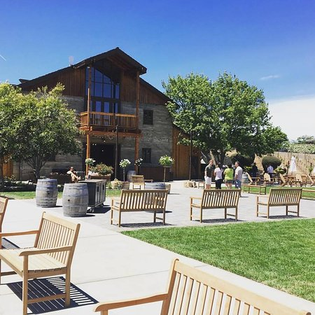 Murrieta's Well Winery