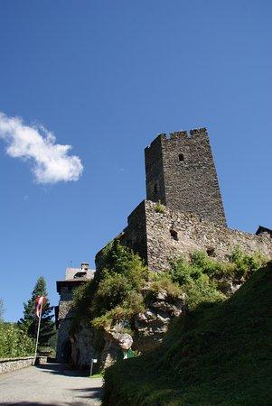 Burg Finstergrun : De burgt