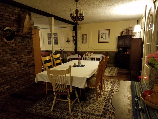 The Pressey House: Dining area that overlooks Lake