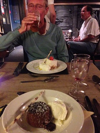 Appleton le Moors, UK: Good food,beer,wine and service