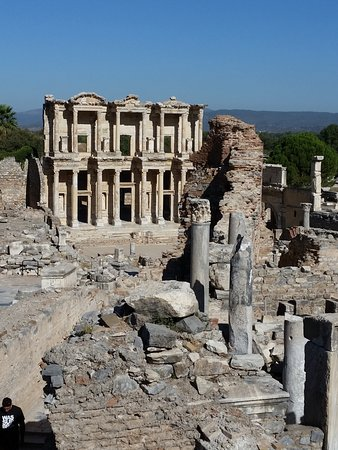 Costa Turca dell'Egeo, Turchia: The main building is the Library which contained a large quantity of scrolls