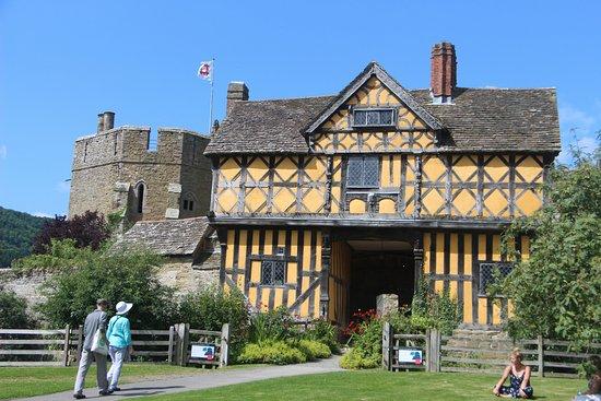 Ludlow, UK: Gatehouse to Stokesay Castle