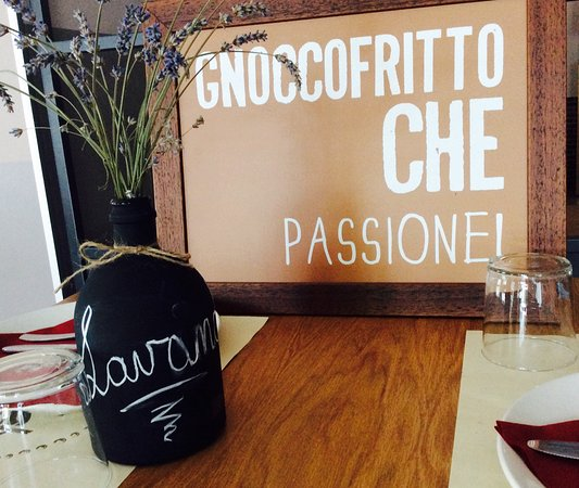 Cinisello Balsamo, Italie : Gnocco fritto