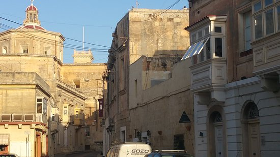 Haz-Zebbug, Malta: Esterno verso il centro storico