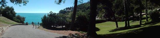 Pugnochiuso, Włochy: Sentieri e spazi verdi