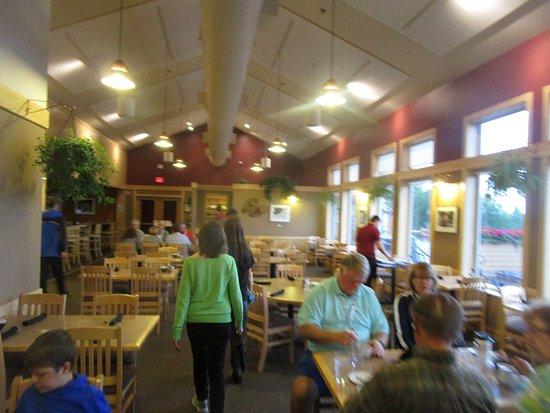 Base Camp Bistro - breakfast room