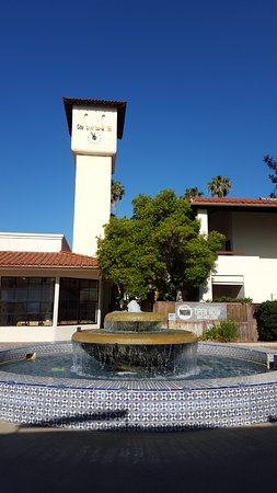Mission Bell Motel: Interesting fit into the town of Ventura