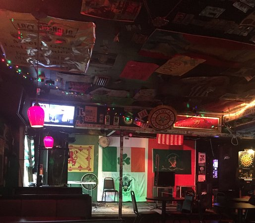 Pascagoula, MS: Partial south wall view. Soundstage for bands and Monday night karaoke.