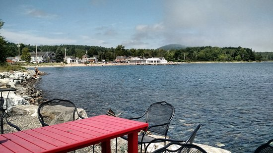 Lincolnville, ME: outside dining view