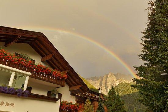 Garni Astrid: Arcobaleno - Regenbogen - Rainbow
