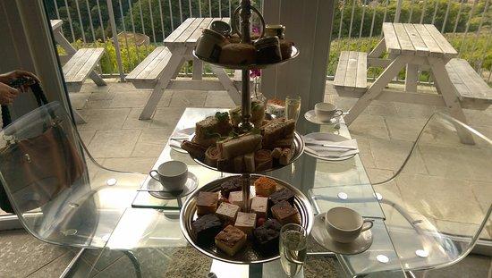 Holmfirth Vineyard: Afternoon tea