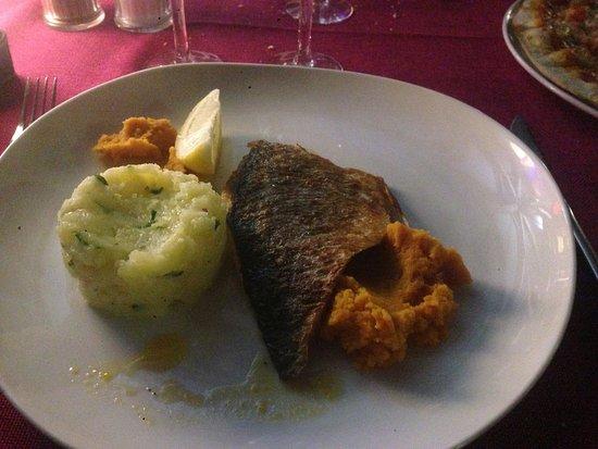 Serra-di-Ferro, Frankrijk: Une des plats principaux : Loup de mer