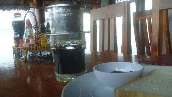 Nhat Lan: Завтрак вьетнамский кофе