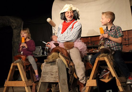 Circle B Ranch Chuckwagon Supper & Western Music Show: Fun Story Time for CHildren